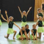 k-Schülerinnen beim Tanz Foto 1