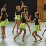 k-Schülerinnen beim Tanz Foto 2