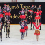 Rote Hosen Showkader